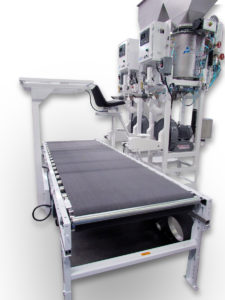 Dual Model A Air Packers with Operator Seat and Cross Conveyor_0358