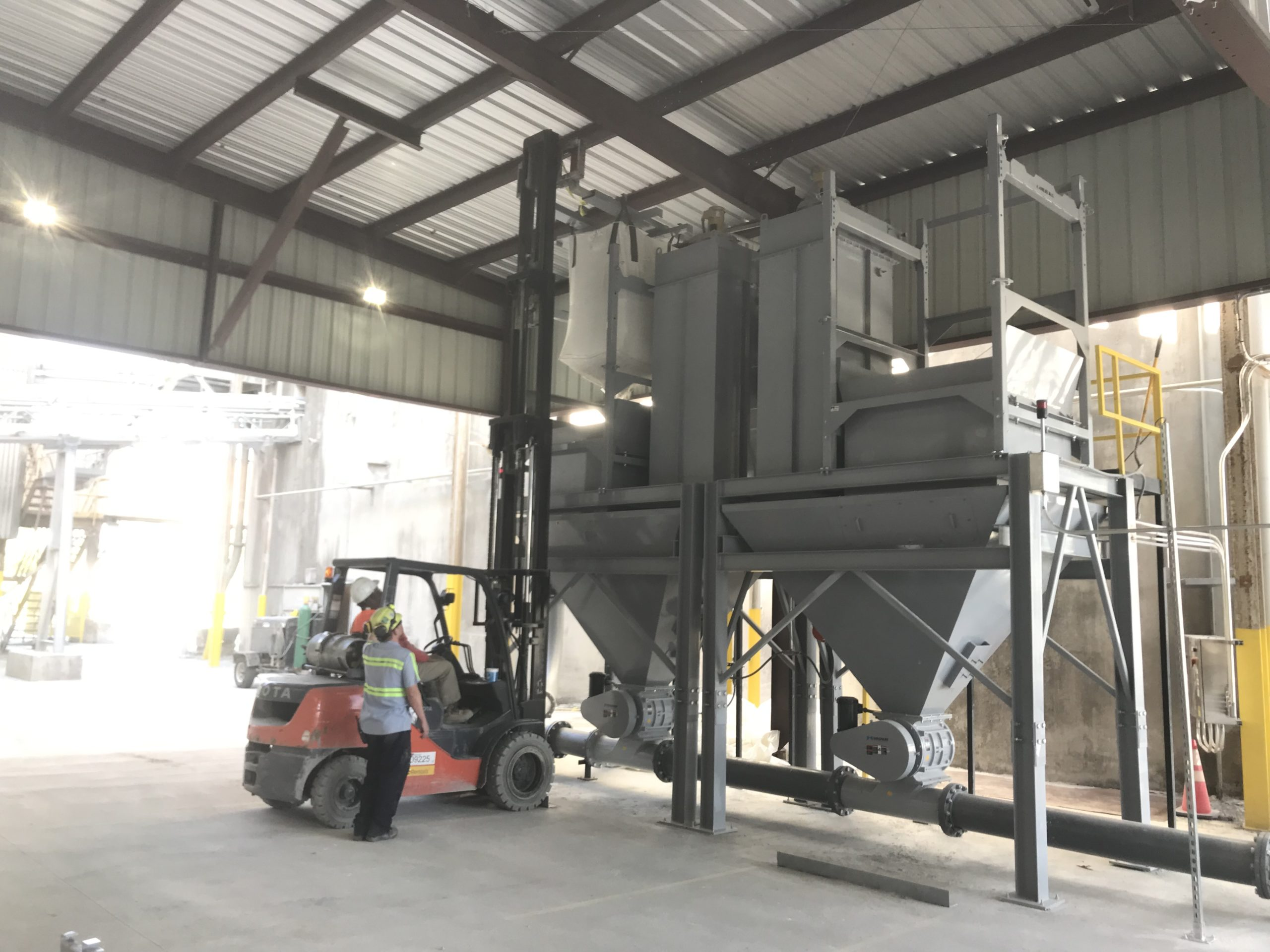Handling Cement – Dual Bulk Bag Unloading and Pneumatic Conveying System